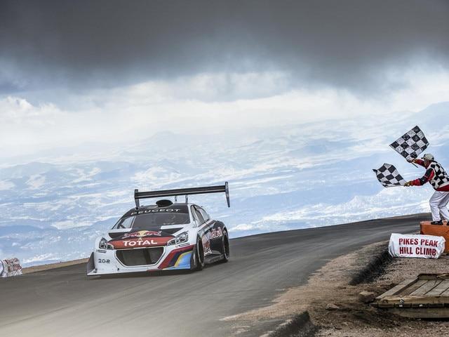 Peugeot Sport - Nuevo récord Pikes Peak 2013 Peugeot 208 T16