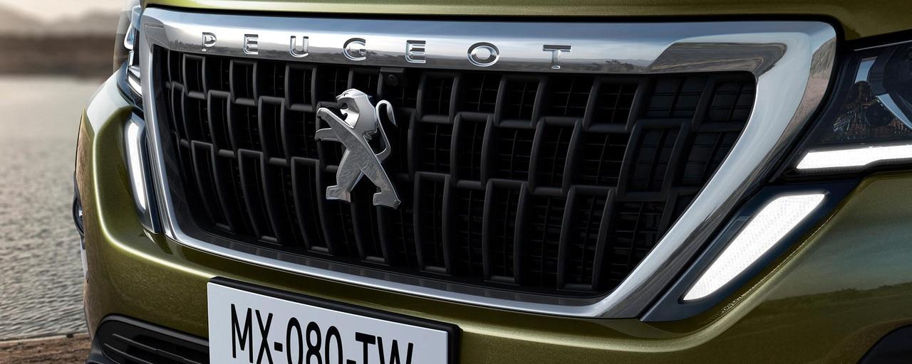 Nuevo pick-up PEUGEOT LANDTREK Multipurpose cabina doble 4x4 LED cámara 360
