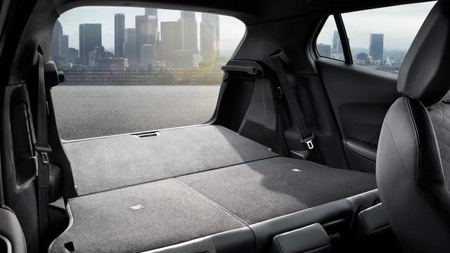 Nuevo SUV PEUGEOT 2008: gran maletero modulable y funcional
