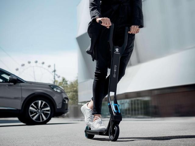 Bicicletas y motos – lanzamiento del patinete e-Kick en 2017