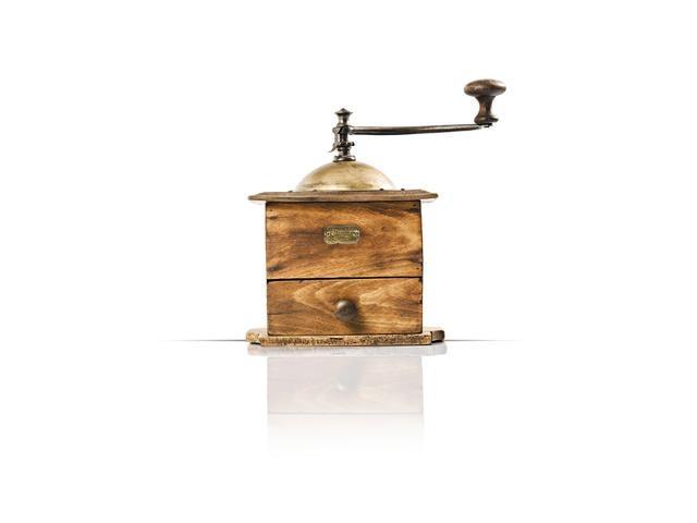 Diversificación – 1840, inicio de la producción de molinillos de café
